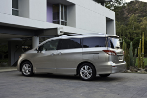 Nissan-Quest-full-surround-glass